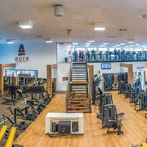 Vista de la zona fitness y cardio gimnasio  Bfit Ibiza Sports Club