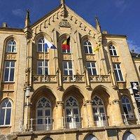 Façade du Palais, Place Léopold à Arlon
