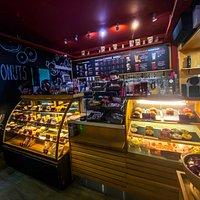 Кофейня Donuts&Coffee (Северная 326/Октябрьская 183)