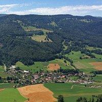 Sentier botanique de Crémines (Jura bernois) - vue sur la vallée Le Cornet