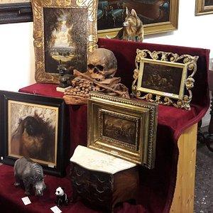 Paintings, frames, ceramics, sculptures, credenza, appliqué lights, home décor, accessories and more