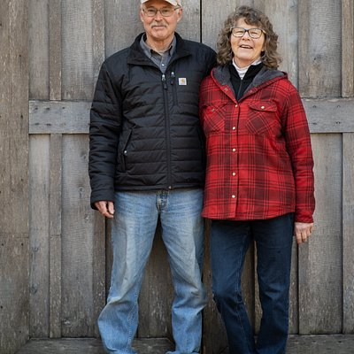 Your hosts Dan and Lori Costello.