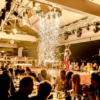 Lío's festive atmosphere involves diners to such extent that not infrequently, dancers and diners end up together on the dance platform.