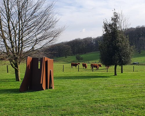 Anthony Caro, Fossil Flats, 1974 - installed at the New Art Centre