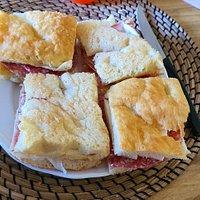 Panini con prosciutto crudo e formaggio