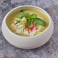 Gaeng Kiawan, curry verde de pollo con leche de coco.