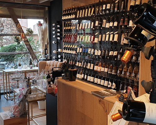 Mooie collectie wijnen zowel lokaal uit haspengouw als internationaal