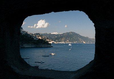 Blick vom Felsloch von Montepertuso, Amalfiküste, Italien