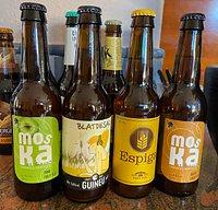 Cada mes tindrem una selecció diferent de les millors cerveses artesanes de Catalunya! Beu la revolució! / There is always a (rotating) selection of the finest Catalan craft beers available!