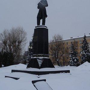 Казань. Памятник Габдулле Тукаю в сквере имени Тукая (февраль 2021 года)