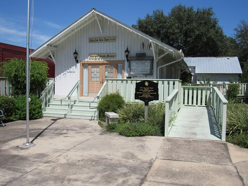 107 S Old Dixie Hwy., Lady Lake, FL 32158 Open Tuesday & Saturday from 10:00am - 1:00pm