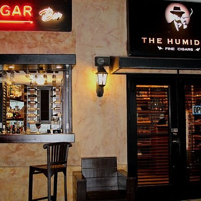 The Humidor Aruba is a must go during your vacation.  Enjoy that Cuban Experience while drinking a fresh and authentic Cuban Mojito while smoking a Cuban Cigar of your choice.