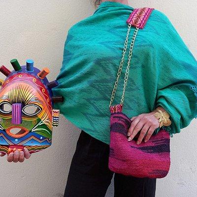 Piezas diseñadas y fabricadas éticamente en Ecuador. La artesanía ecuatoriana más cualitativa.