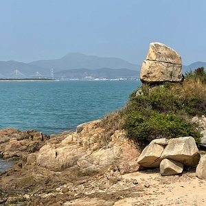 Old Fisherman's Rock is one of the most scenic points along the Peng Yu Path which takes you around the northern part of Peng Yu Island.