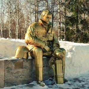 Памятник пожарным - возле музея. Фото Алекса Просвирнина