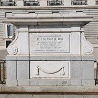 A los Héroes del 2 de mayo de 1808.