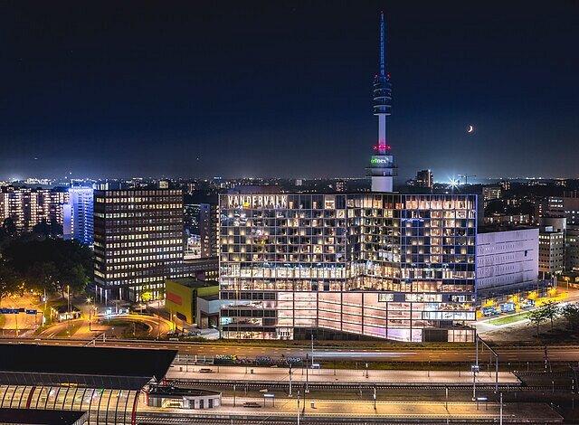 VAN DER VALK HOTEL AMSTERDAM ZUIDAS (Amsterdam, Nederland) - foto's en reviews - Tripadvisor