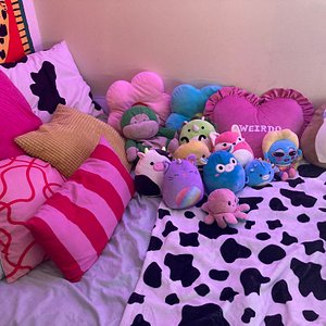 pillows galore baybeee