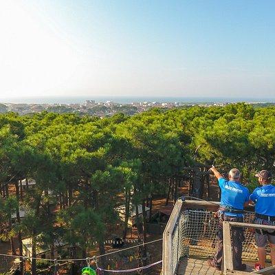 Parcours panoramique avec vue sur l'Océan et tyroliennes géantes