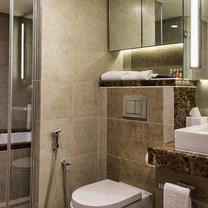1 BEDROOM EXECUTIVE BATHROOM