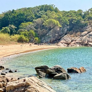 Pak Tso Wan Beach on Cheung Chau island is a quiet, secluded beach. It is more commonly known as 'the Italian Beach'.