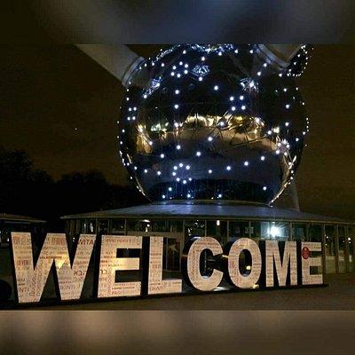 """""""Bienvenido""""Unas de las atracciones de Buselas."""