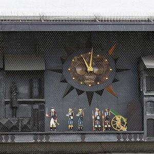 Horloge animée par des figurines sur la Place de la Palud (Lausanne - canton de Vaud)