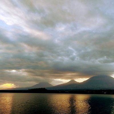 View of the volcanoes and the Twin Lakes