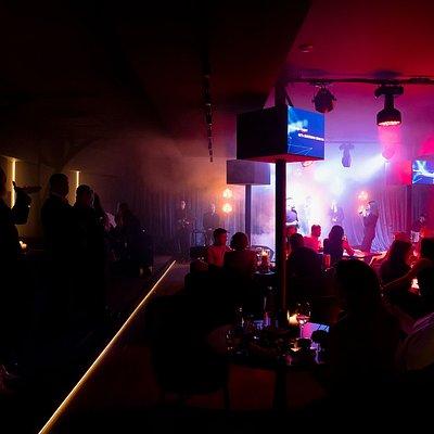 Melody karaoke & show