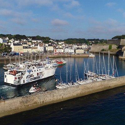 Le Bangor entrant dans le port de Le Palais