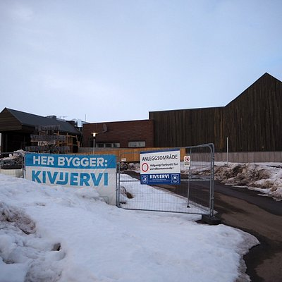 Hovedbygget er under ombygging og museet åpner igjen 26. august 2021!  Our main building is under construction and the museum is opening on 26 august 2021!   Foto/Photo: Lisbeth R. Dragnes/Vadsø museum - Ruija kvenmuseum