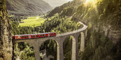 The imposing Landwasser Viaduct is just one of Switzerland's numerous UNESCO World Heritage sites. 📍Filisur, Graubünden