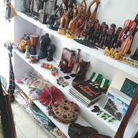 The very many local Arts & Crafts items available at Henrimoweta African Art Center.