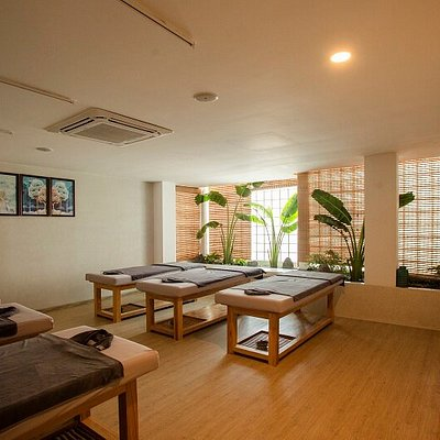 Massage room space for families, groups and collectives