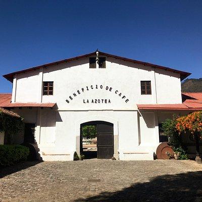 Edificio el Beneficio de Cafe - La Azotea