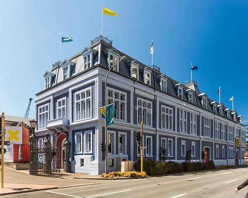 The history of Wellington not only lives inside the building but on the outside too. Built in 1892, the heritage building was designed by Frederick de Jersey Clere and despite its magnificent exterior was used as a bonded cargo warehouse holding goods up until the mid-1970s.