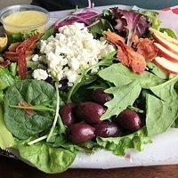 MARIO'S Salad