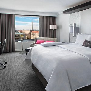 King Guest Room - Monument View