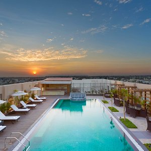 Rooftop Outdoor Pool