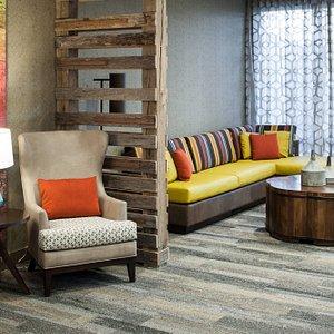 Lobby - Lounge Area