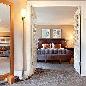 Lux Suites