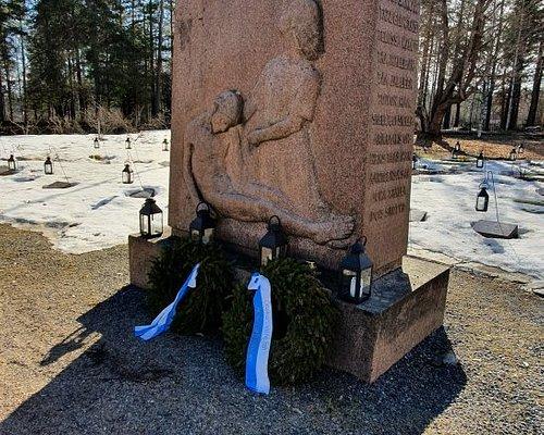 Sankarivainajien Muistomerkki