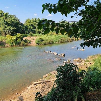 แม่น้ำยม บริเวณนี้ น้ำสะอาดครับ