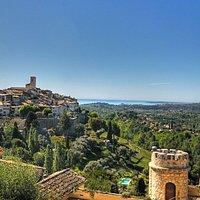 Vue panoramique du village de Saint-Paul de Vence
