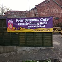 Good outside space , under cover , sanitizer available , QR code . Grab a breakfast or Roast dinner.
