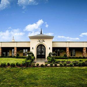 Sir Paz Estate