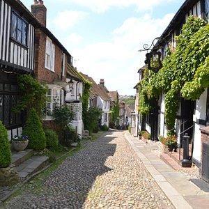 Mermaid Street.........The Mermaid Inn rebuilt 1420......Cellars dated to 1156.