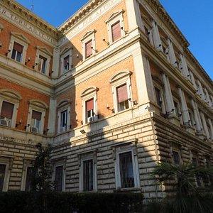 Scorcio del palazzo da via XX settembre