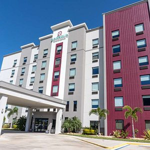 Magnolia Pointe Hotel and Suites, BW Signature Collection