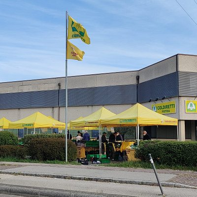 Mercato dei produttori locali di Campagna Amica di Pistoia, tutti i sabato dalle 8 alle 13.